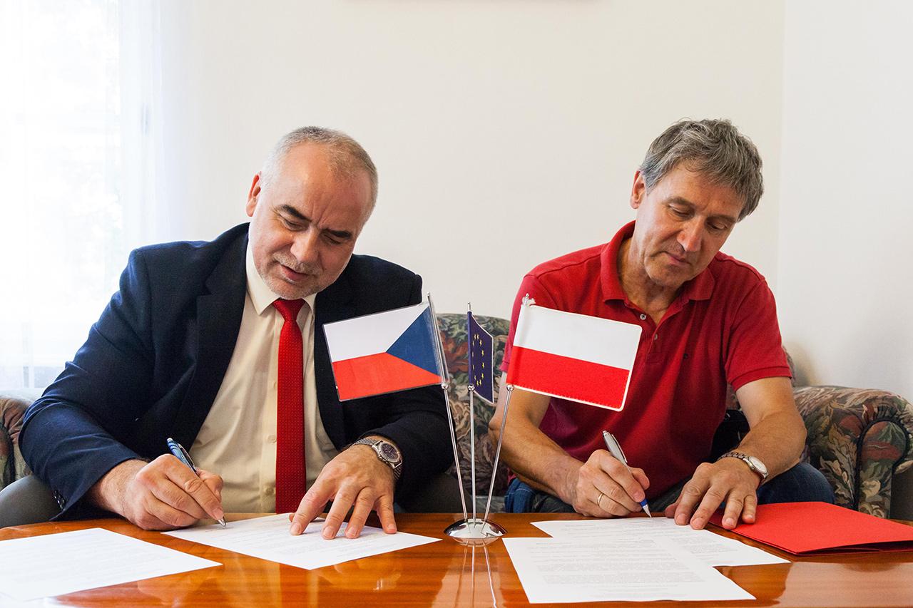 Podpisanie umowy o współpracy SMnWP z CSMvP